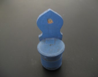 For the dollhouse ... a blue soaptray..years 50