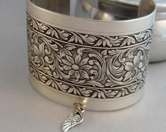 Angel Wing Slave Bracelet,Slave Bracelet,Angel Wing,Angel Bracelet,Silver Bracelet,Cuff,Angel,Boho,Hand Bracelet,Bracelet,Hipster,valleygi