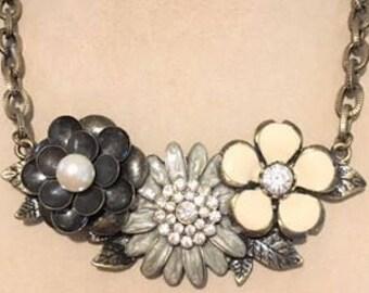 "3-Flower Center piece on 16"" Chain Necklace"
