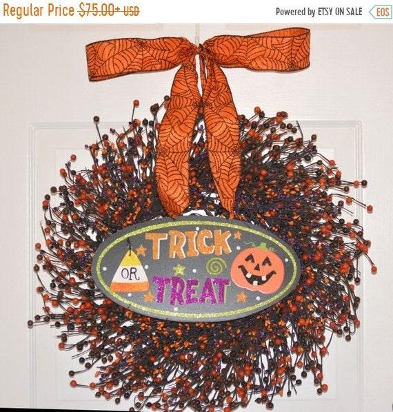 SUMMER WREATH SALE Halloween Wreath- Pumpkin Wreath- Jack-O-Latern Berry Wreath- Halloween Decor- Fall Wreath- Fall Decor- Hostess Gift - Pu