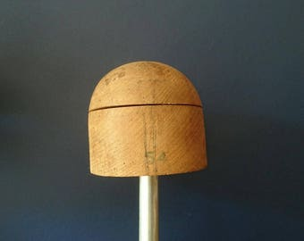 Crown hat block 53cm