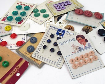 A lot of Mid Century Buttons with Original Cards