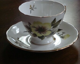 Royal Vale Bone China 8227 Teacup and Saucer!