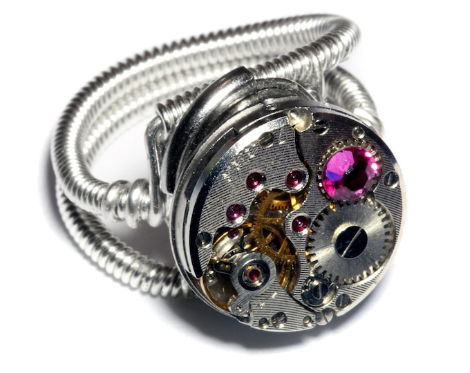 Steampunk ring, Steampunk Jewelry, Watch Movement Steampunk Ring with fuchsia crystal - Silver Tone