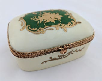 French porcelain hand painted hinged trinket box