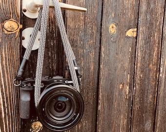 Camera Strap Black/white-handmade camera strap-Worldwide shipping-carrying cord-strap-shoulder strap-universal Seilstyles