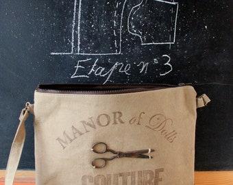 """Scissors"" création of Dolls Célina Bello création Manor shoulder bag"