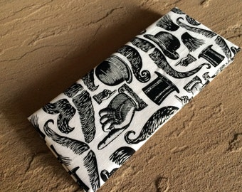 Magic Wallet - Billfold Mustache Mania
