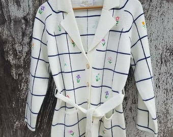 Vintage Lily of California Embroidered Flower Cardigan