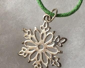 Green silver Snowflake charm pendant Bead Necklace, cord necklace, choker necklace, winter,snow, charm necklace, snowflake, handmade