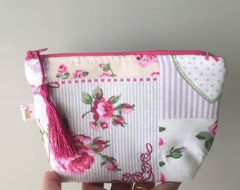 Patchwork fabric cosmetic bag - Handmade zipper pouch - Travel case - Make up organizer- Necessaire - Women's gift