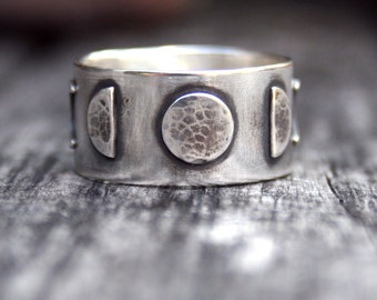 Moon Phase Ring - Sterling Silver - Five Phases of the Moon