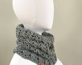 Merino Wool Cowl : Icy Blue Gray | infinity loop scarf | super soft | all natural fibers | hand dyed yarn | winter 2018
