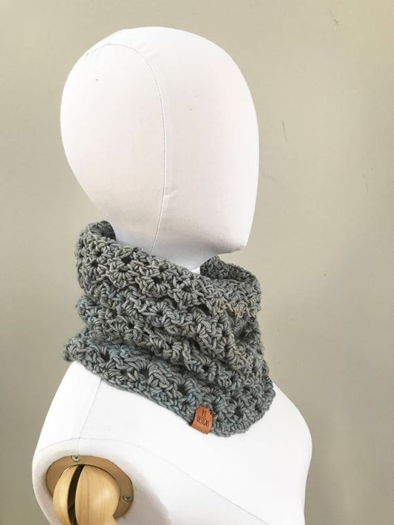 Merino Wool Cowl : Icy Gray