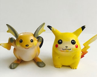 1998 Pikachu & Raichu TOMY Pokemon nintendo figures set of 2