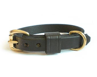 """5/8"""" Black Chahin English Bridle Leather Plain Dog Collar with Solid Brass Hardware and Leather Keeper"""