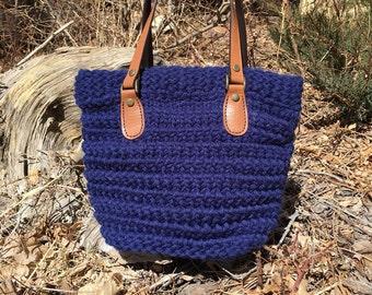 Horsetooth Handbag/Tote  --  a loom knit pattern
