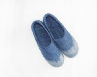 Blue felted slippers, Wool felted slippers, Woman felt slippers, House shoes, Comfortable slippers, Woolen clogs