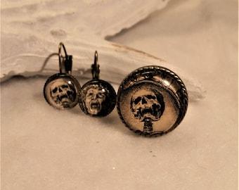 Memento Mori set in metal bronze