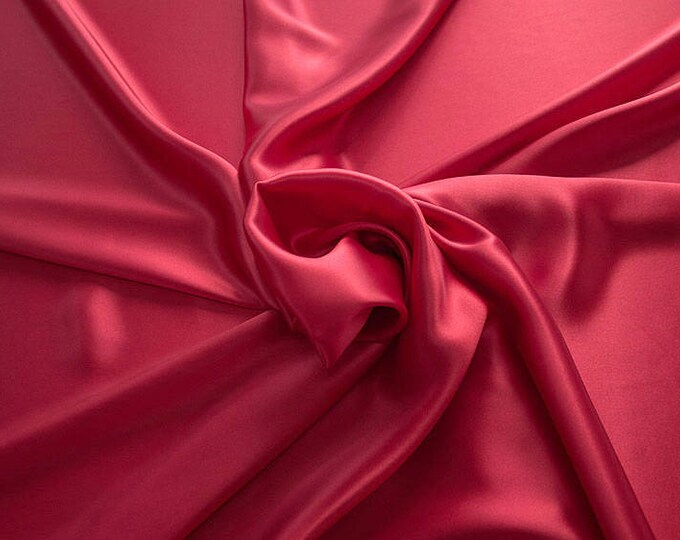 1712-106-crepe Satin natural silk 100%, wide 135/140 cm, made in Italy, dry cleaning, weight 100 gr, price 1 meter: 58.87 Euros
