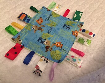 Finding Nemo Baby Sensory Crinkle Tag Toy