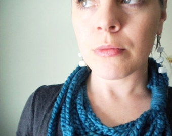 Crochet Chain Scarf in Teal Wool-Blend Yarn - Winter Chain Scarf / Infinity Scarves for Women