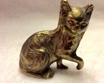 Solid brass cat kitty kitten paperweight.