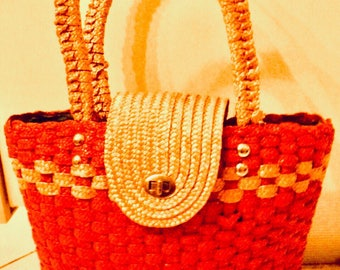 Basket woven straw bag vintage purse 60s shoulder bag, beach, red and yellow