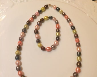Alluring colored pearls