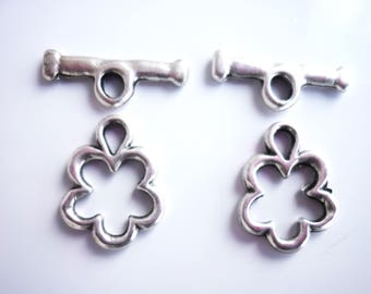 2 silver plated toggle clasps (No. 9)