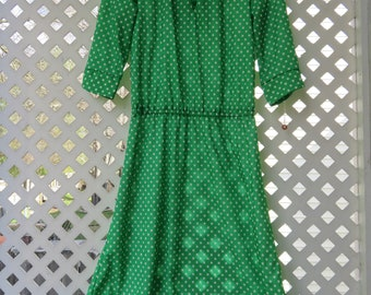Green and White Polka Dot Half Sleeve Polyester Dress with Elastic Waist - Size 4/6 Small