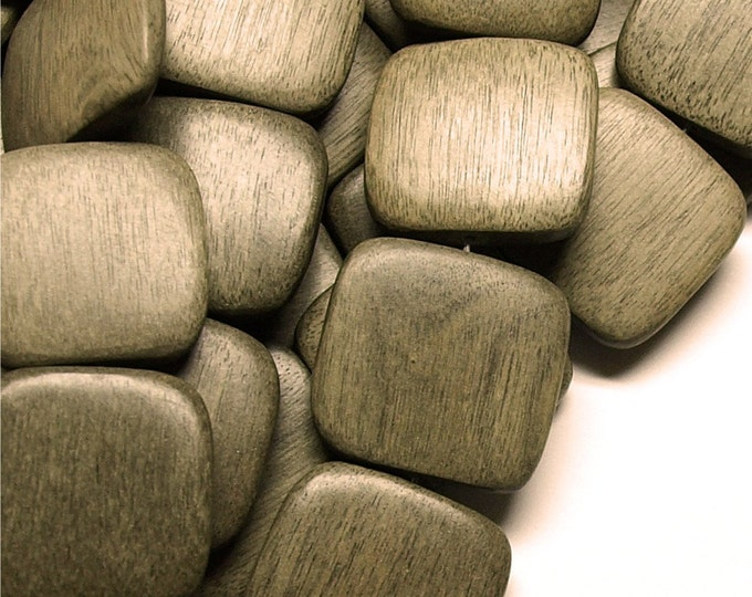 Wood Bead, Flat Square 25mm, Graywood - Five 16 Inch Strands (WDSQ-25GR)