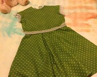 Dress Size 6 Vintage lace summer frock Girls