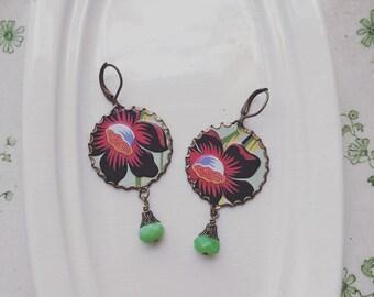 "Tin Jewelry Earrings ""Hawaiian Delight"" Tin for the Ten Year Tenth Wedding Anniversary"