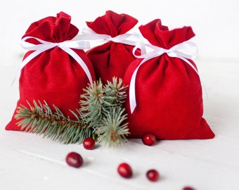 Christmas gift bags, Red favor bags, linen gift bags, red linen bags, small linen pouches, winter wedding favor bags