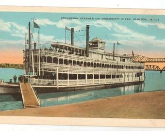 Linen Postcard, Clinton, Iowa, Excursion Steamer on Mississippi River