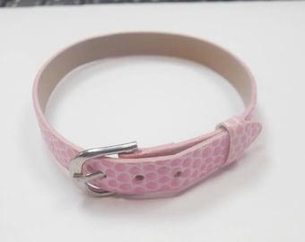 1 leather 22 cm pale pink bracelet