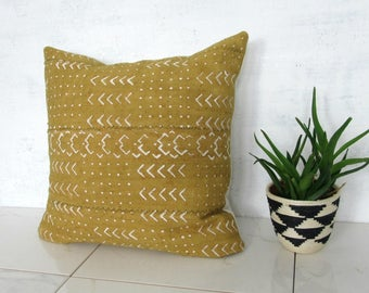Mustard Yellow Mudcloth Pillow Cover / Decorative Throw Cushion Yellow African Bogolanfini Organic Cotton Natural Dyes Woven Textile Bedding