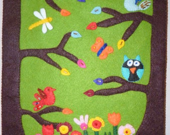 Fun and Colourful Felt Wall Hanging Decoration