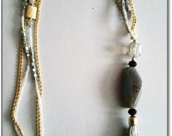 Long Necklace Pearls and gold & tassel Grey