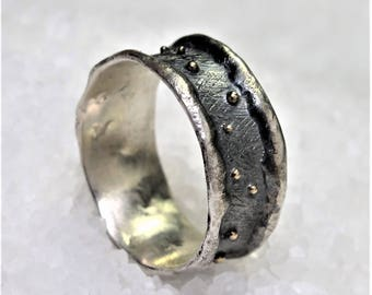 Man band ring, rustic style, oxidized silver and gold drops..