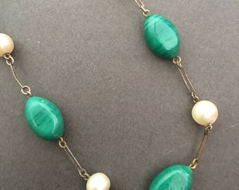 Vintage Art Deco Necklace Green Glass and Faux Pearl
