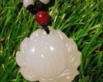 Lotus of (adjustable) white Agate necklace