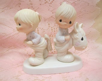 """1982 Precious Moments  """" How can 2 walk together except they agree """" Enesco  #E-9263"""
