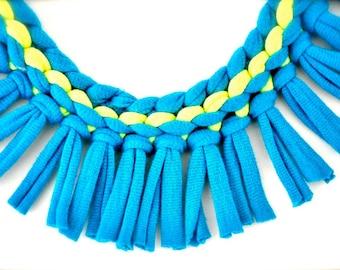 collier de turquoise déclaration de néon - néon jaune frange tribal bleu bijoux de tissu recyclé