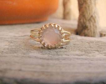 Rose Quartz ring - Gold Rose ring - Rose quartz gold ring - Rose Quartz band - Love jewelry - Gold band ring - Pink stone ring