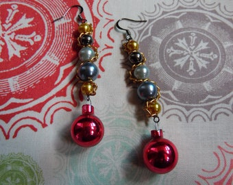 Gold, Black, Silver, White Holiday Earrings//Vintage Style Christmas Ornament Earrings//Chain and Bead Earrings//Red Bobble Earrings For Her