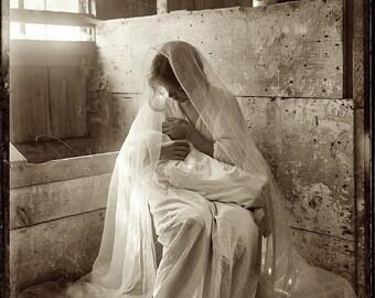 """Gertrude Kasebier photo, """"The Manger"""" 1901"""