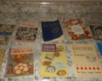 Antique recipe pamphlets,10 booklets of unique retro recipes,antique baking and advertising pamphlets, antique recipe & homemaking booklets.