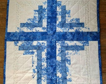 Quilted Log Cabin Cross Wall Hanging